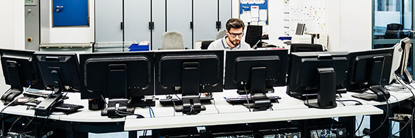Um Ihre täglichen Arbeitsabläufe nicht zu unterbrechen greifen unsere IT-Profis über eine verschlüsselte Verbindung direkt auf Ihre Systeme zu.