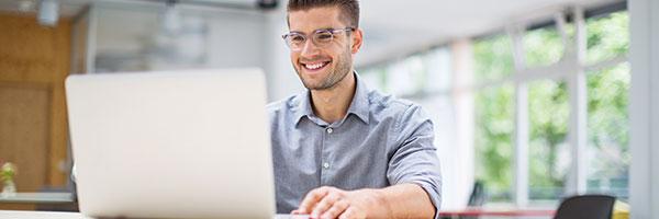 Sichere IT-Systeme bieten Ihnen Schutz und Sicherheit, egal von wo Sie arbeiten.